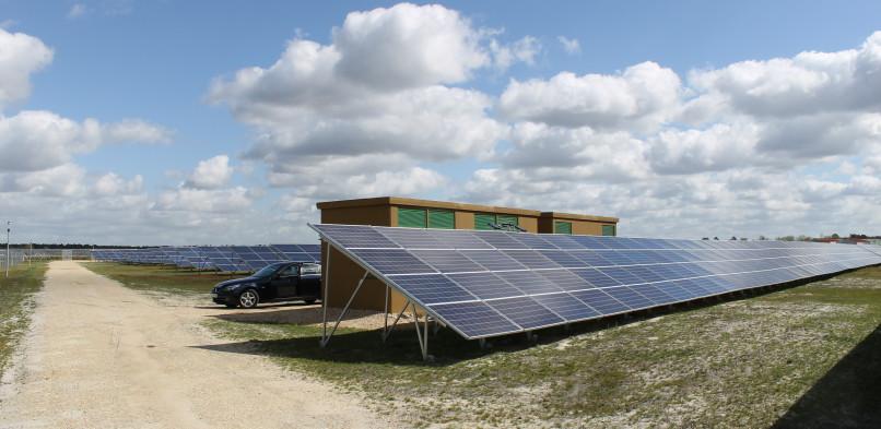Centrale photovoltaïque au sol Le Barp (33)